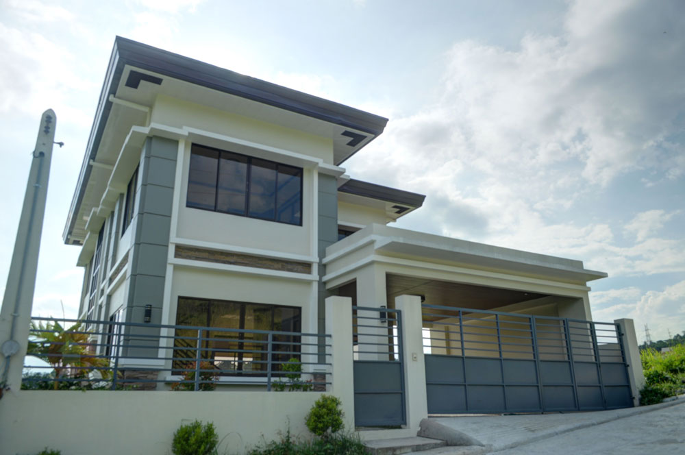 Brand new 3 level house and lot for sale in monteritz for Classic house images